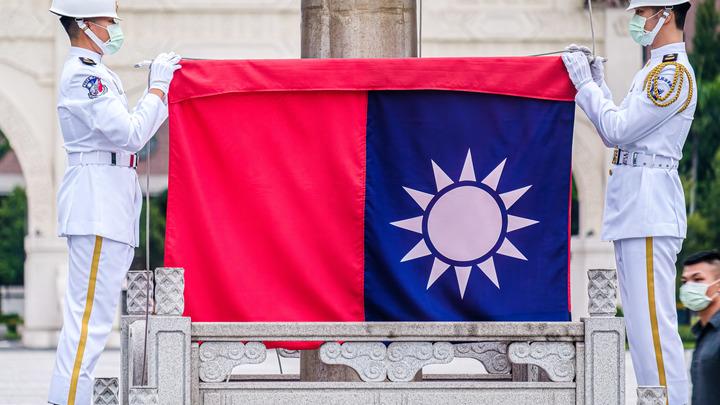Чужая верная гончая: В Китае осудили открытие в Литве представительства Тайваня