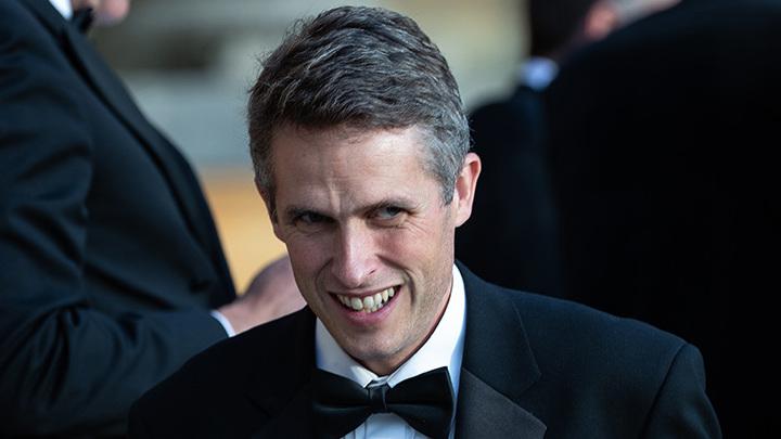 Министр обороны парой фраз лишил Британию многомиллиардной торговой сделки