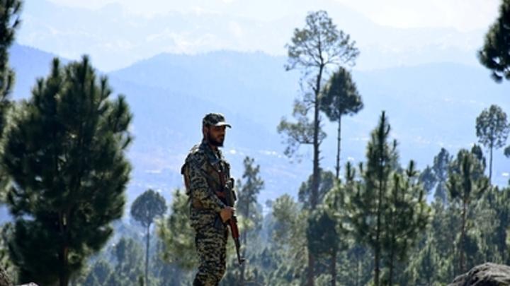 В шаге от ядерного удара: Призыв к перемирию обернулся стрельбой на границе Индии и Пакистана