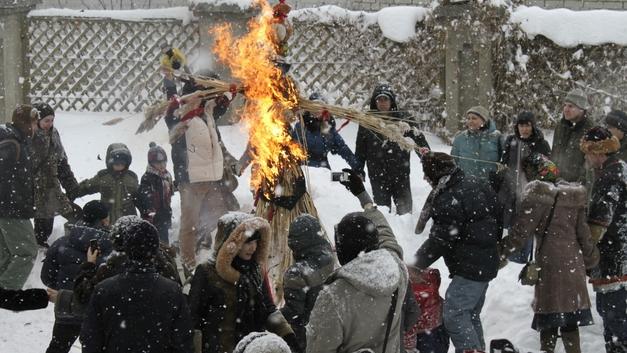В Калужской области на Масленицу сожгли готический храм