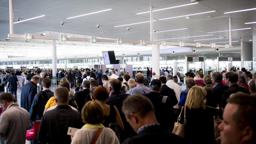 Высокие цены в российских аэропортах привлекли ФАС