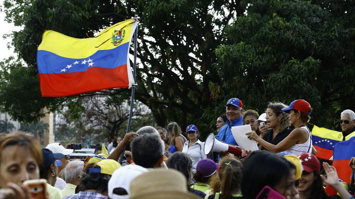 Симоньян развенчала западные мифы о протестах в Венесуэле двумя фото