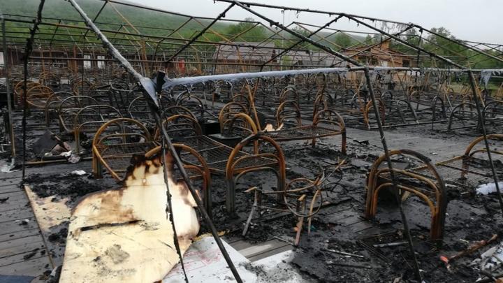 Тренировка с МЧС не помогла? Число пострадавших в сгоревшем детском лагере увеличилось. Трое - в коме