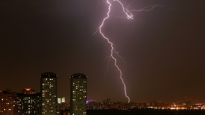 МЧС: В ближайший час в Москву придет буря