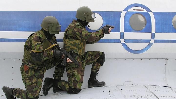 Чётко обманули: Пилоты захваченного самолёта рискнули и поступили как коллеги из СССР