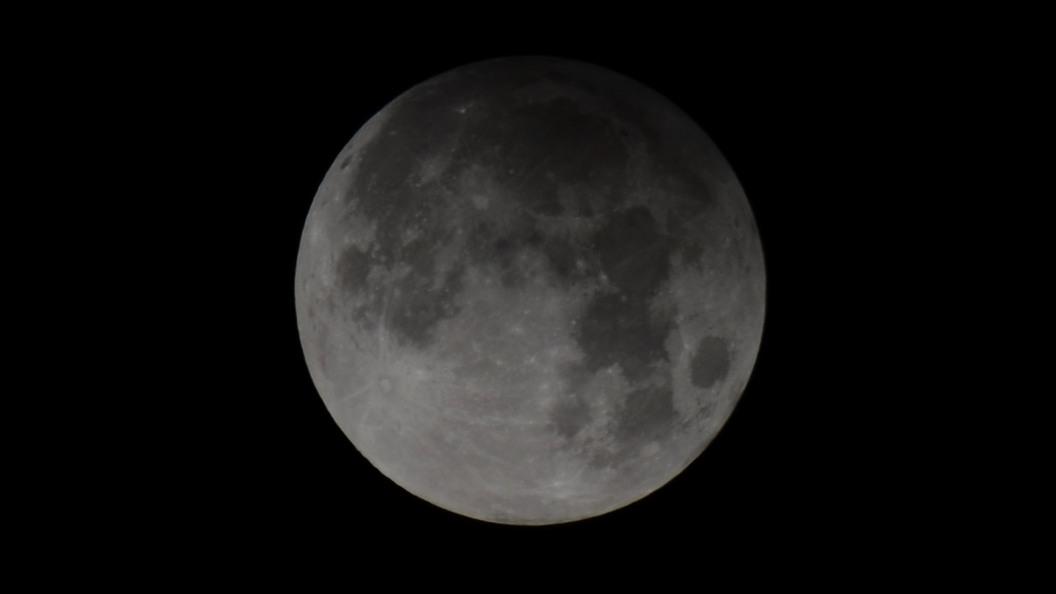 Уникальное лунное затмение увидят жители России