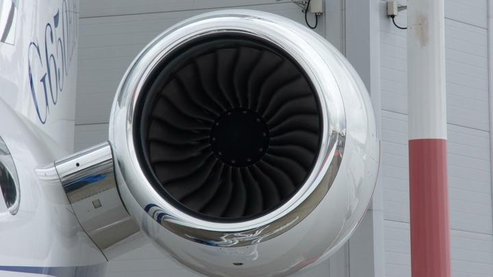 Самолет экстренно сел в Казани из-за неисправности системы закрылок