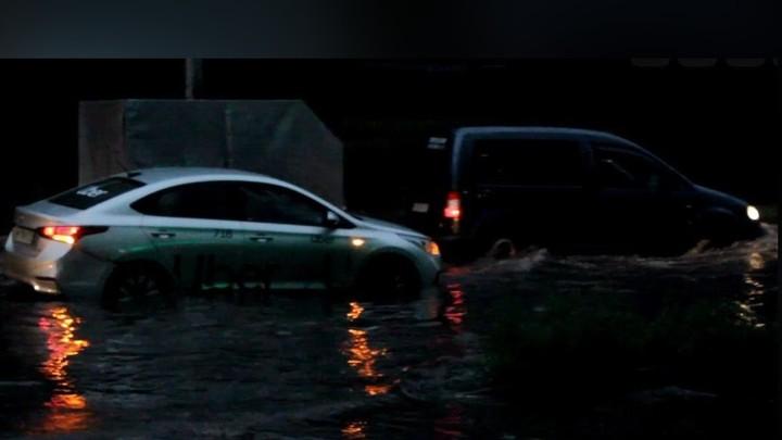Ураган оставил область без электричества и посадил Челябинск в лужу