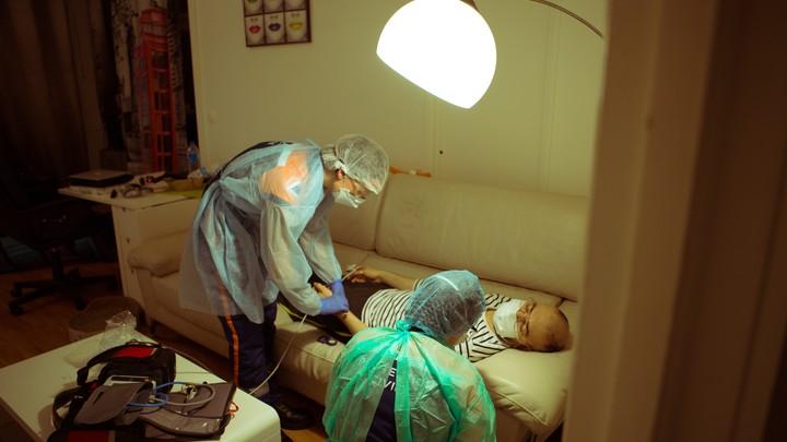 Боль в груди - не показатель: Врачи назвали главное отличие инфаркта от панической атаки