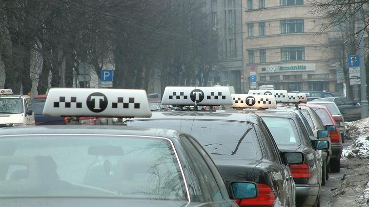 В Петербурге таксист-кавказец надругался над 19-летней пассажиркой и высадил у больницы