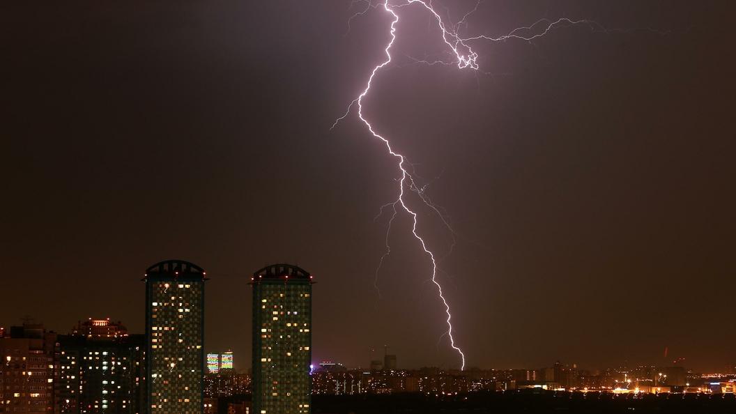 После жары в Москве ждут сильную бурю с грозой
