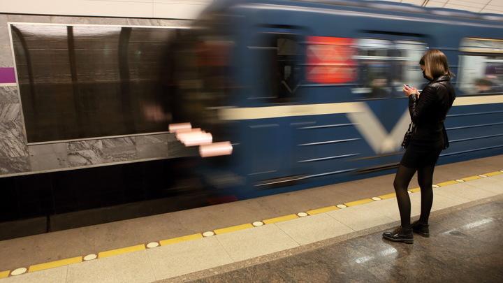 Вандалом, разрисовавшим свастикой метро в Петербурге, оказался десятиклассник