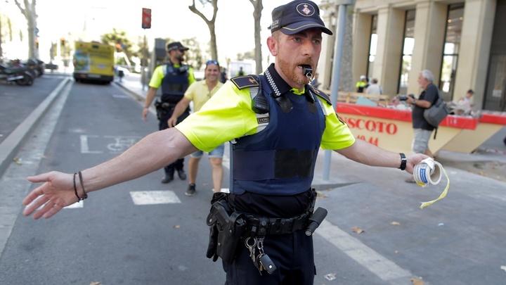Полиция начала переговоры с террористами, захватившими заложников в Барселоне