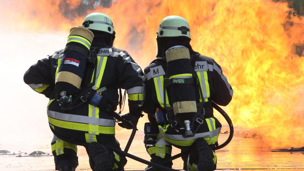 Волгоградских хуторян эвакуировали перед лицом наступающего степного пожара