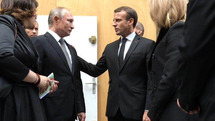 Французы снова слили переговоры Макрона и Путина, забыв о прежнем скандале