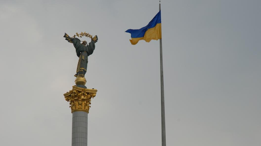 Около аэропорта «Киев» напали на репортеров, которые снимали прилет Медведчука из Российской Федерации