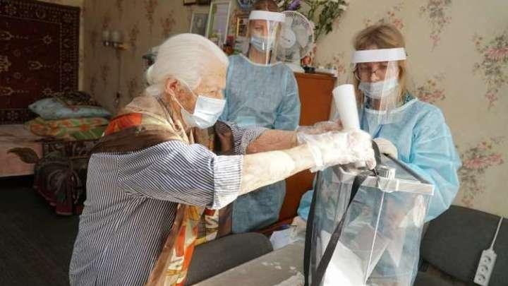 100-летняя участница войны пришла на выборы в Кузбассе