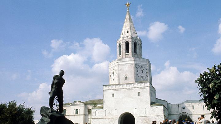 На Спасской башне Казанского кремля нет иконы Спаса