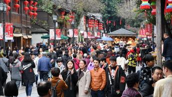 Китайские власти вводят запрет традиционного стриптиза на похоронах