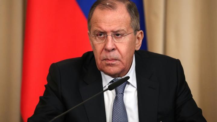 Лавров: США санкциями наказывают граждан России за любовь к Путину