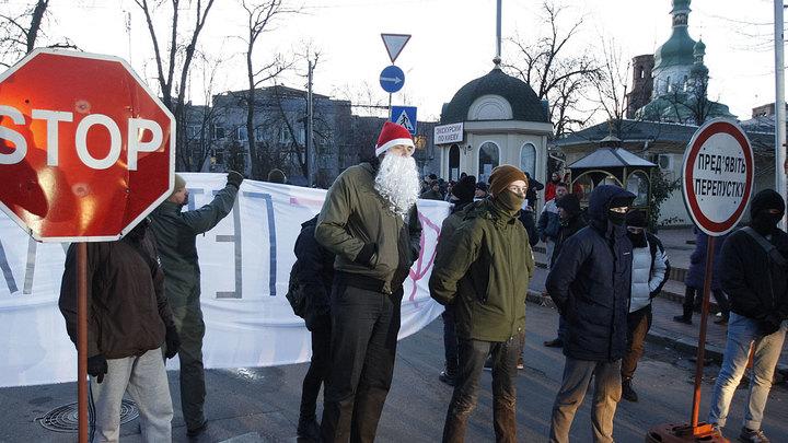 Пытки, унижения, боль и кровь: Как живётся православным священникам в новой Украине