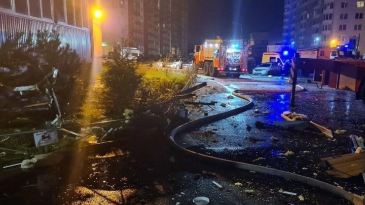 Последствия взрыва в многоэтажке Всеволожска: над домом установят короб