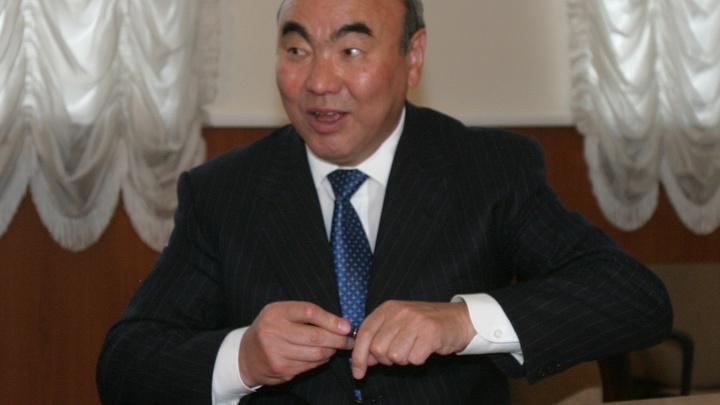 Экс-президент Киргизии Аскар Акаев назвал уход Назарбаева мудрым поступком