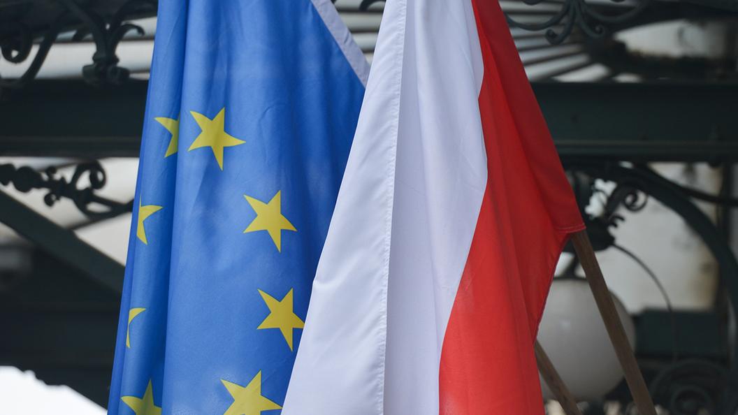 EC вводит санкции против Польши
