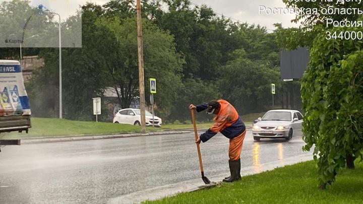 Свыше ста происшествий зафиксировано в Ростове во время урагана