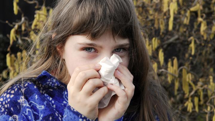 Простой платок и капля масла: Врач раскрыл простой способ защиты от гриппа, простуды и стресса