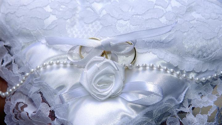 За несколько часов до свадьбы: Коронавирус убил целую семью накануне торжества