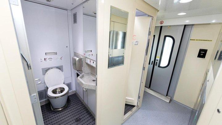 С ноября в России запустят плацкартные вагоны с душем и кофемашиной: Названы поезда, где они появятся