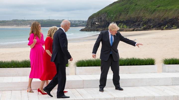 Путин?!: Фото с G7 оказалось лучше любого анекдота