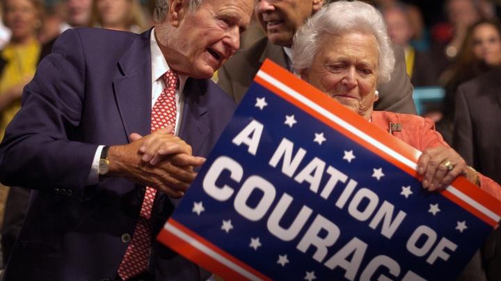 Буш-старший, попавший в больницу после смерти жены, пошел на поправку