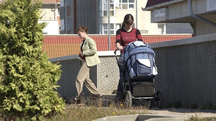 Суррогатный бизнес в России случайно вскрыла пандемия COVID: Торговали детьми с 90-х