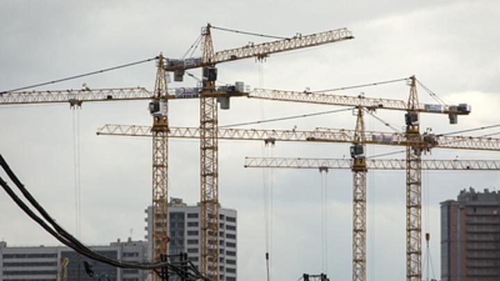 Не семьи с детьми, не бедняки: Эксперты подсчётами доказали мизерность шанса на новое жильё в России