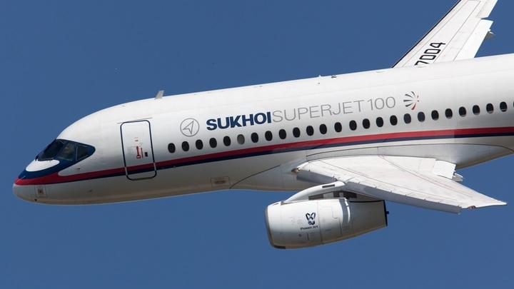 Новый инцидент с Sukhoi Superjet 100 на Чукотке - пассажиры не пострадали