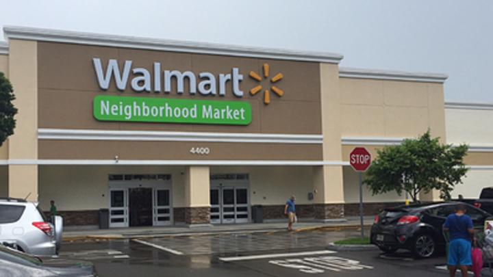 Американская сеть Walmart пошла на поводу у Прибалтики в войне с символикой СССР