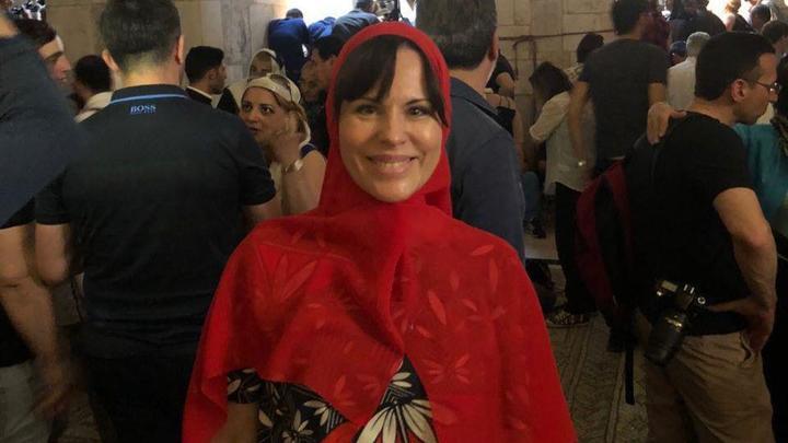 Елена Шаройкина:Чудо схождения Благодатного Огня дарует чудо единения всех людей