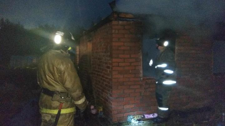 Один человек погиб при пожаре из-за самогонного аппарата в Екатеринбурге