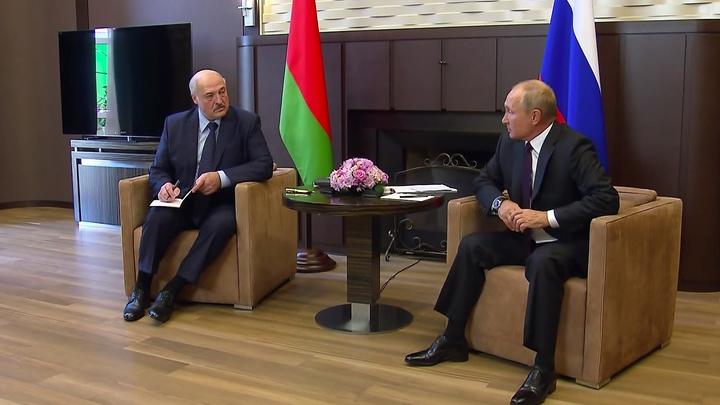 Исторический момент: Показаны неизвестные кадры со встречи Путина и Лукашенко