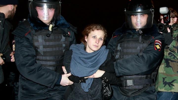 Над Марией Алехиной после провокации у стен ФСБ посмеялись в соцсетях