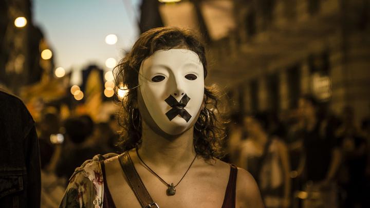 Нехороший процесс: Украина набрала чиновников в министерство правды