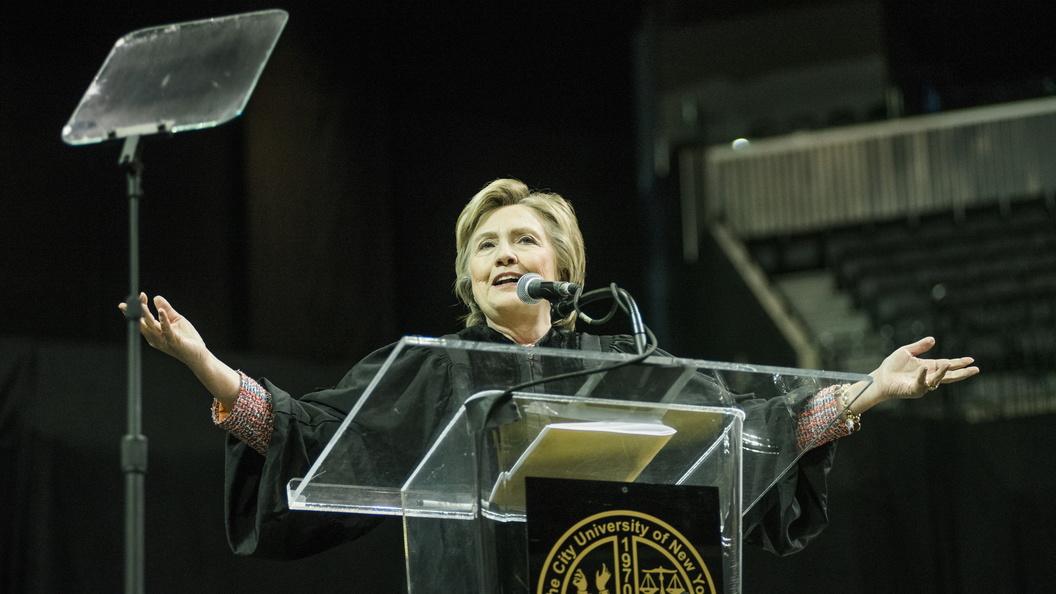 Хиллари Клинтон отказывалась от санкций против России из-за гонорара Билла в полмиллиона