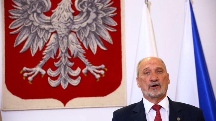 Министр-русофоб из Польши увяз в грязи