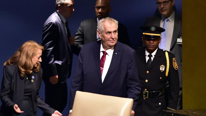Президент Чехии: Киев должен признать русский Крым - это завершенное дело