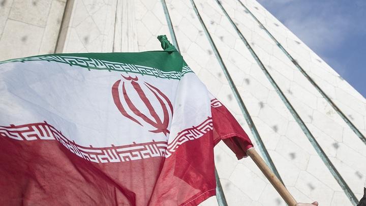 СМИ сообщили о пятерых погибших при разгоне толпы в Иране