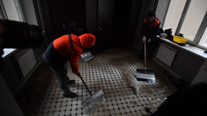 Бригада на выезд: минские дворники будут убирать подъезды домов по-новому