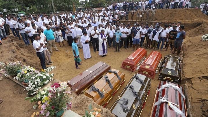Неправильно посчитали? Число погибших в терактах в Шри-Ланке сократили на сотню