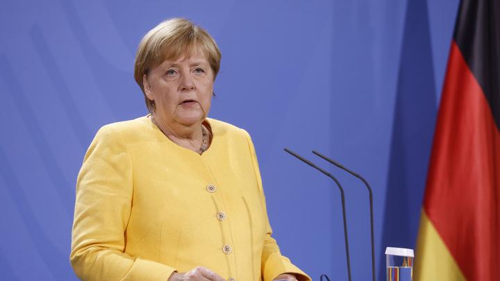 Экономист обвинил Меркель в краже части украинского бюджета: Развели по классике